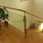 Corrimão de escada interior com vidro